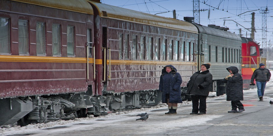 Trans-Siberian-Railroad-in-Winter_via-Axel-Scheibe
