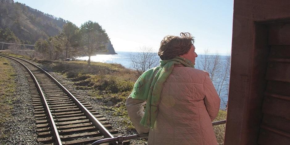 Le Lac vue de l'arrière du train