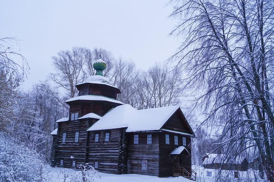 Maison russe traditionnelle en bois